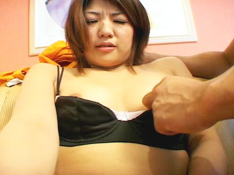 足の裏まで舐めてくれる変態女りん 無修正画像05