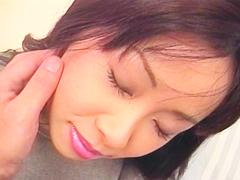 色白な巨乳ムチムチ妻