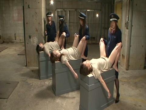 女は恐ろしい・・・絶望の刑務所 Part2 無修正画像02