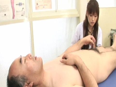 淫乱女医とナースのインポ強制治療中出しクリニック その2 無修正画像02