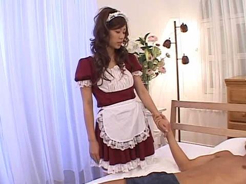 切れキャラなグラビアモデルの姫野りむは使えないカメラマンに怒って痴女プレイで強制生中出し 無修正画像01