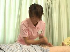入院中は色々と欲求不満になるから看護婦さんにチンポ見せつけて抜いてもらえるか検証 Part.1