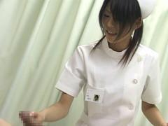 入院中は色々と欲求不満になるから看護婦さんにチンポ見せつけて抜いてもらえるか検証 Part.2