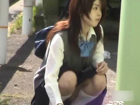 白昼堂々と誰もいない家でオナニーしている女子校生のオナニーを鑑賞してください part.2 無修正画像01