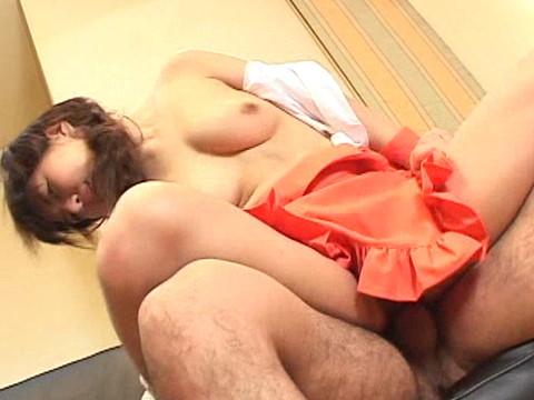 エッチなメイドの椎名百合がご主人様のためにご奉仕中出しセックス Vol.2 無修正画像05